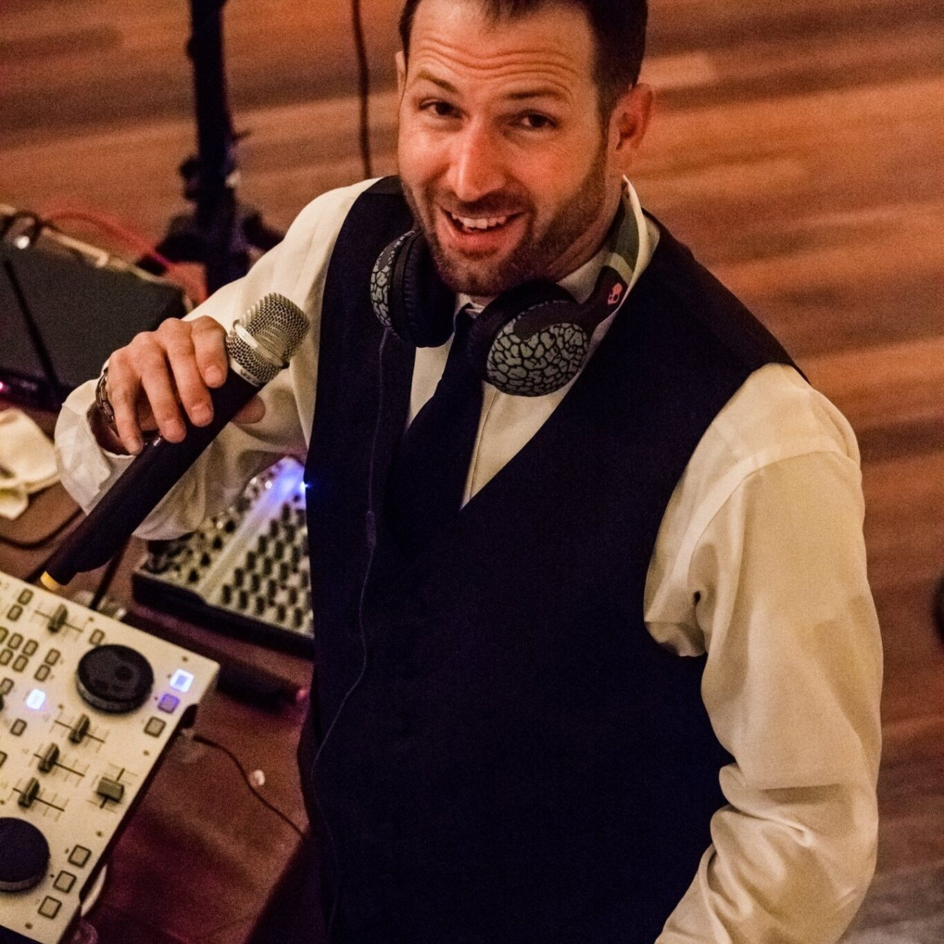 Firefly Entertainment DJ Services will help you have a smooth evening by helping coordinate your wedding music and reception.